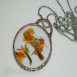 szklany wisior-maragaretka, miedziany, miedziany-wisior, unikalna-biżuteria