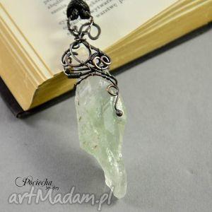 handmade naszyjniki kryształ zielony - surowy wisior