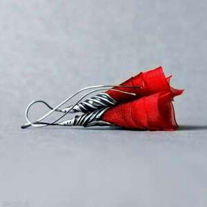 srebrne kolczyki czerwone tulipany na alternatywny ślub
