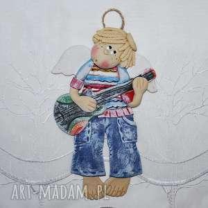 na gitarze gram - anioł z masy solnej, anioł, dekoracja, prezent, chłopiec, paski