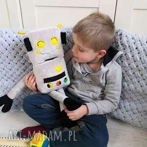 handmade pomysły na prezenty święta przytulanka robot bartek