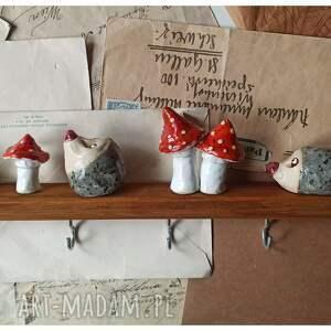 święta, wieszak z jeżami, ceramika, wieszak, drewno, jeż, muchomor, grzyby