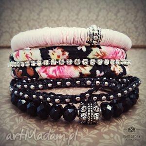 Romantyczna łączka , kwiatki, łączka, cyrkonie, kryształki, akryl, bawełna