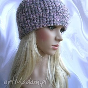 różowo-szara, bardzo zgrabna, ciepła czapeczka, czapka, ciepła, moher, wełna, zgrabna