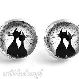 silverine kolczyki z grafiką kotki, kot, koty, kociaki, kolczyki, wkrętki