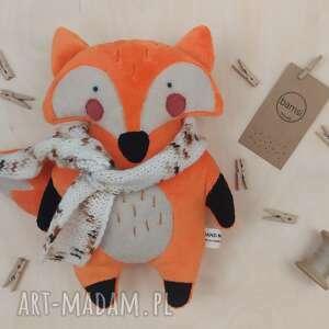 pokoik dziecka lis w nakrapianym szaliku - leśna przytulanka z minky, lisek