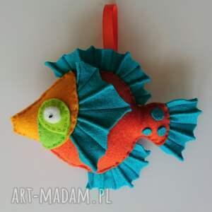 maskotki rybka z filcu na sznureczku - zawieszka, zwierzątka morskie