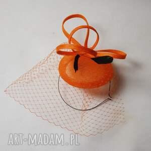 święta prezent, pomarańczko, fascynator, sinamay, pomarańczowy, woalka ozdoby do