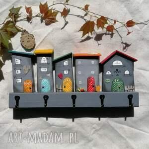 handmade wieszaki wieszak z domkami w odcieniach szarości no
