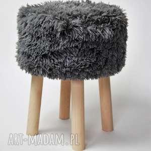 pomysł na upominki święta Fjerne M futrzak szary, fjerne, stołek, puf, taboret