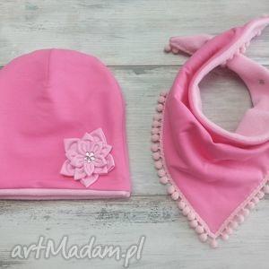 ciepły zimowy komplet czapka i trójkąt bukiet pasji szalik