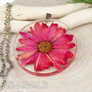 Naszyjnik z prawdziwymi kwiatami zatopionymi w żywicy z447, biżuteria-z-żywicy