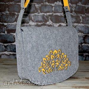 Filcowa torebka na ramię - listonoszka hand made, torba, torebka, filc,