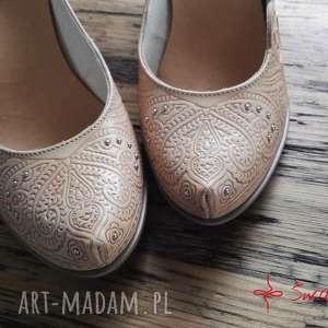 handmade buty tłoczone serca na korku, rozmiar 37