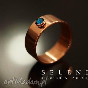 pierścionek z kryształem, swarovski, kryształ, miedź, pierścionek