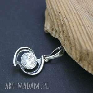 Prezent Zawieszka srebrna z cyrkonią, zawieszka, wisiorek, srebrny, cyrkonie