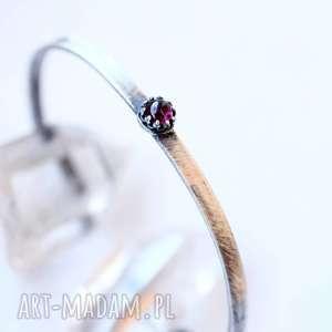hand-made minimalistyczna bransoleta z granatem