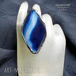 agat zjawiskowy na palcu okazały pierścień dla koneserki hand made, agat, rękodzieło