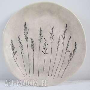 patera początku lata, talerz, ceramiczny, ozdobny, z-roślinami, z-odbiciem, roślin