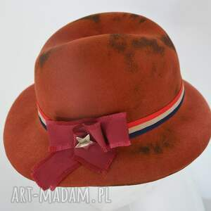 prezenty na święta, kapoelusz fedora, kapelusz, brąz