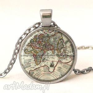 handmade naszyjniki mapa świata - medalion z łańcuszkiem