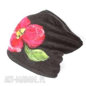 czapka wełniana damska czarna, wełna, filc, zima, etno, folk, merynosy czapki