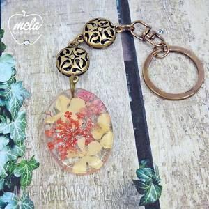 0574 mela - brelok do kluczy, torebki kwiaty, brelok, żywica, epoksyd