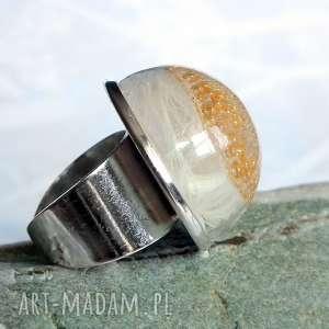 pierścionki piórkowe terrarium wyjątkowy romantyczny pierścionek z piórem i żywicą