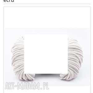 okrągły dywanik/kolor ecru/ śr. 15cm /. Katarzyna