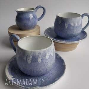 hand made ceramika zestaw składający sie z dwóch filiżanek ze spodkami i dzbanuszka