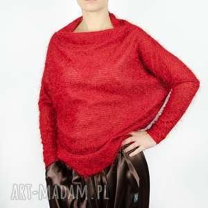 czerwony sweter z futerkiem, czerwony, włoski, bluza, futerko, dekolt, ciepła