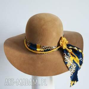 jesienny kapelusz, filc, brąz, jedwab, świąteczny prezent