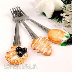 dekoracje słodkie widelczyki, fimo, modelina, ozodby, łyżeczki