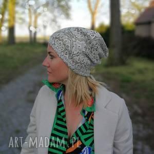 czapka w kolorze srebrnym koronkowa rozciągliwa wiosenna, wiosna, etno, boho