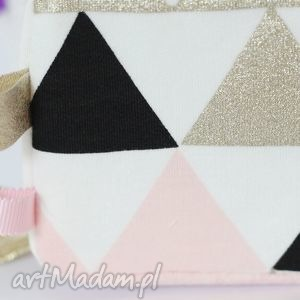 handmade zabawki kostka sensoryczna różowe trójkąty
