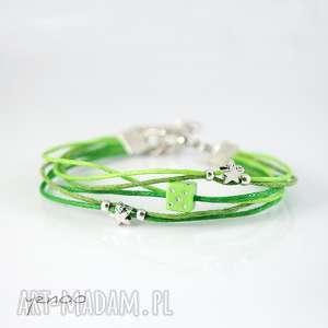 bransoletki bransoletka - zielona kostka sznureczki, bransoletka, kostka, sznurki