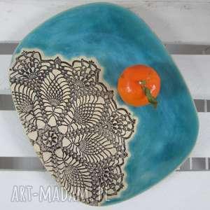 Turkusowy owalny talerz z koronką ceramika ana ceramiczny