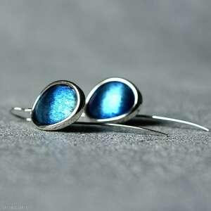 srebrne owalne kolczyki wiszące, tytanowe długie, niebieskie z tytanem
