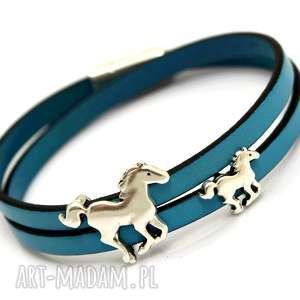 ręcznie robione bransoletka skóra magnetoos double horses light blue