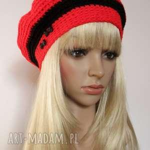 Czerwono-czarny ozdobny beret z kokardkami, beret, kokarda, paski, ozdobny, czapka