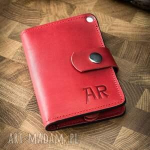 skórzany ręcznie wykonany portfel w pięknym czerwonym kolorze od ladybuq