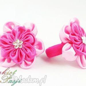 gumka frotka do włosów dla dziewczynki - różowe ozdoby