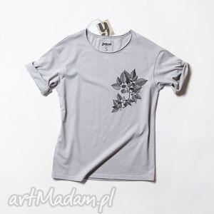 ręczne wykonanie bluzki leaves szara koszulka oversize