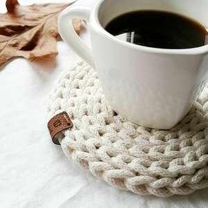 handmade podkładki podkładka pod kubek wykonana szydełkiem z bawełnianego