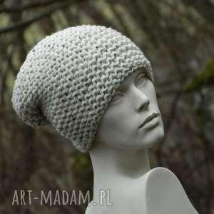 tweed ecru na prawo grubaśna zimowa czapa, tweedowa czapka, dziergana czapka