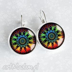 kolczyki kolorowa mandala - śliczne kolorowe małe kolczyki, szklane, szkło