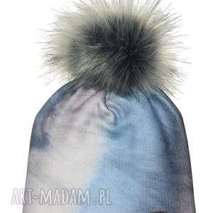 unikalny prezent, czapka beanie pompon z futra, nadruk, pompon, ombre