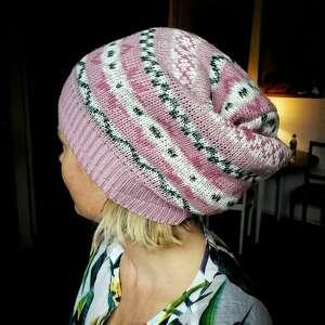 hand-made czapki czapka wełniana na podszewce, damska we wzory, rozmiar 59 -69cm