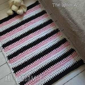 prostokątny dywan w pasy, dywan, dywanik, sznurek, szydelkowydywan, dladziecka