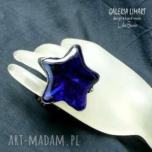 Prezent Kobaltowy pierścień w kształcie gwiazdy. Okaz nie z tej ziemi :) Dla